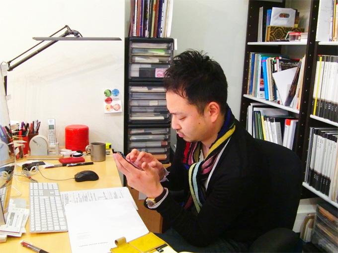熊本 ホームページ制作 スマートフォンに夢中。