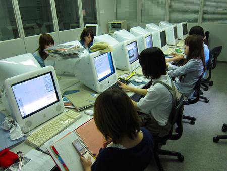熊本デザイン専門学校の授業風景