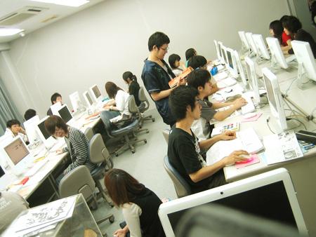 熊本デザイン専門学校第2CG室